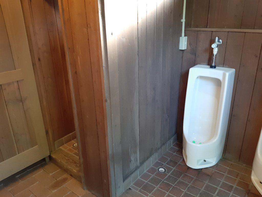 ニセコサヒナキャンプ場のトイレ