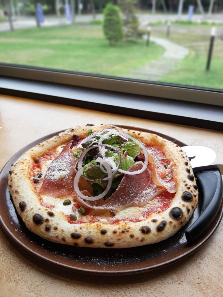 雨ノ日と雪ノ日のピザ