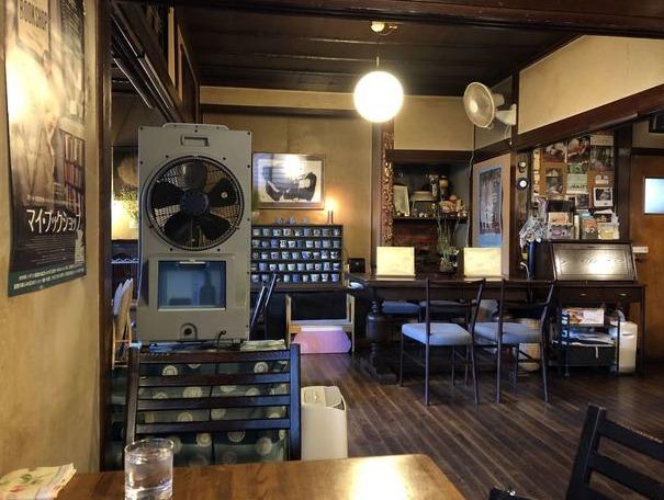 円山茶寮の店内